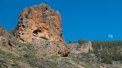 Gran Canaria landscape (Zaphod Beeblebrox 1970) Tags: 2018 rock travelphotography felsen grancanaria moon kanaren reise blue reisefotografie travel urlaub island canary mond berg insel mountain sanbartolomédetirajana canarias spanien es