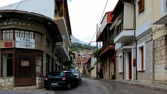 a street in Arachova IMG_9752 (mygreecetravelblog) Tags: greece centralgreece arachova boeotia viotia town mountaintown alpinetown outdoor landscape buildings architecture street road