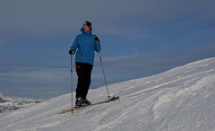 The skier, the mountain and the moon (Anders_3) Tags: sirdal vestagder norge norway skiing winter nature people nikon mountain peak outdoors utno raudåknuten sports youngman landscape snow ski 7s59633v2 moon sky xxl