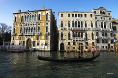 Balade romantique (Jacques Isner) Tags: venice venise venezia italie italia italy pentax pentaxart pentaxflickraward pentaxk5 grandcanal gondole gondolier jacquesisner tamron