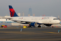 N378NW | Airbus A320-211 | Delta Air Lines (cv880m) Tags: newyork jfk kjfk kennedy aviation airliner airline aircraft jetliner airplane n378nw airbus a320 320200 320211 dal delta widget deltaairlines freedomtower taxi
