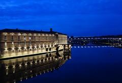 Nuit bleue dans la Ville Rose (Iris@photos) Tags: france occitanie hautegaronne toulouse fleuve hôteldieu garonne heurebleue crépuscule