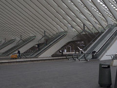 Liège_station (Flying-waffle) Tags: liège gare belgium station architecture