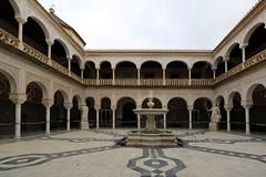 Il Palazzo degli Adelantados Mayores (Governatori) dell'Andalusia, più noto come Casa de Pilatos, fu  costruito nel centro storico di Siviglia tra il XV e il XVI secolo. (raffaele pagani) Tags: casadepilatos palazzodegliadelantadosmayores governatoridellandalusia palaceoftheadelantadosmayores governorsofandalusia siviglia seville andalusia spagna spain pedroenriquezdequiñones catalinaderivera fadriqueenriquezderibera dinastiaenríquez dinastiaribera stilegoticomudejar mudejargothicstyle renaissanceandromanticstyle canon