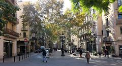 Novembre_0046 (Joanbrebo) Tags: barcelona catalunya españa es laribera carrers calles streetscenes street gente gent people canoneos80d eosd efs1018mmf4556isstm autofocus