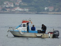 Faena (juantiagues) Tags: marineros barco pesca mogor juantiagues juanmejuto