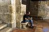 Israel: Scenes at the Church of the Holy Sepulchre (anat kroon) Tags: israel yerushalayim jerusalem יְרוּשָׁלַיִם jeruzalem middleeast streetphotography urban documentaire documentary wwwkroonenvanmaanennl anatkroon kroonenvanmaanenfotografie sepulchre heiliggrafkerk