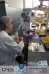 2017-02_Aula-Biologiaorofacial---IMG_4070 (#OdontoFAESA) Tags: biologia orofacial semestre 20172 profilaxia odontológicos bacteriana placa biofilme dental micromotor escova robinson ensino educação estudo sorriso aprendizagem vida atividade coração azul faesa odonto otonologia 20anos odonto20anos graduação superior experiência pesquisa dente odontologia odontofaesa