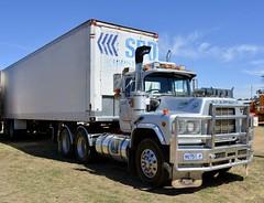 Bickleys (quarterdeck888) Tags: trucks transport semi class8 overtheroad lorry heavyhaulage cartage haulage bigrig jerilderietrucks jerilderietruckphotos nikon d7100 frosty flickr quarterdeck quarterdeckphotos roadtransport highwaytrucks australiantransport australiantrucks aussietrucks heavyvehicle express expressfreight logistics freightmanagement outbacktrucks truckies mack macktrucks macktrucksaustralia australianmacks mackmuster kyabrammackmuster2018 truckshow truckdisplay oldtrucks oldmacks bickleys bogievan spd