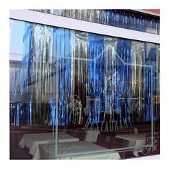 Joel's (ngbrx) Tags: switzerland schweiz luzern restaurant brasserie curtain vorhang window fenster lucerne suisse svizzera tables tische