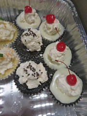 April 19: Cupcakes (earthdog) Tags: 2018 canon canonpowershotsx720hs powershot sx720hs food edible cupcake treat dessert work office project365 3652018