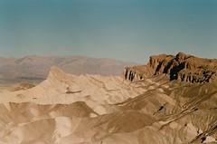 Zabriskie Point, Death Valley, septembre 2017 (Marine Beccarelli) Tags: california deathvalley zabriskiepoint desert analogue film filmphotography canonae1 35mm