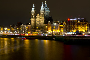 night shot of Church of Saint Nicholas in Amsterdam