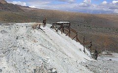 Talc Mine at Ibex Spring / Death Valley National Park (Ron Wolf) Tags: crystalspringsformation deathvalleynationalpark earthscience geology historic ibexhills mineralogy nationalpark proterozoic talc tremolite abandoned hazardous mine mineral mining ore tailings california