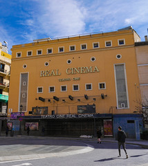 Madrid (AlexKapunkt) Tags: madrid spain capital schweppes cinema sky blue clouds