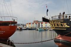 Noord Hinder en Buffel (Hugo Sluimer) Tags: nederland zuidholland holland port haven scheepvaart