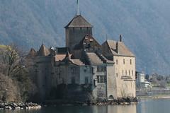 Schloss Chillon ( Erwähnt 1005  - Wasserburg Burg château castle castello ) am Genfersee - Lac Léman in Veytaux bei Montreux im Kanton Waadt - Vaud in der Westschweiz - Suisse romande - Romandie der Schweiz (chrchr_75) Tags: christoph hurni chriguhurni chriguhurnibluemailch chrchr april 2018 chrchr75 schweiz suisse switzerland svizzera suissa swiss schlosschillon schloss château castle castello wasserburg burg kantonwaadt kantonvaud waadt vaud genfersee lac léman alpensee see lake sø järvi lago 湖 landschaft landscape natur nature albumgenferseelacléman wasser eau water chrigu westschweiz romande romandie