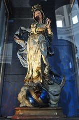 Vierge de la Fertilité, basilique Santa Maria della Sanità (XVIIe), piazza Sanità, Naples, Campanie, Italie. (byb64) Tags: naples neapel napoli nápoles campanie kampanien campania cittàmetropolitanadinapoli italie italy italia italien europe europa eu ue unesco unescoworldheritagesite patrimoinemondial xviie 17th seicento baroque baroco barocco artbaroque basilique basilica église church chiesa iglesia kirche santamariadellasanità sanità rionesanità fragiuseppenuvolo maniérisme maniériste