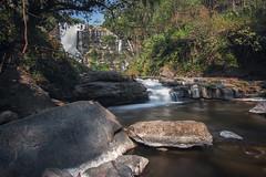 Wachirathan waterfalls (Ál Men-chez) Tags: tailandia cascada paisaje selva agua rocas vegetacion luz sombra larga exposicion filtro
