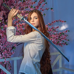 #P1120399_CO10 (darknebula) Tags: katana model girl flowers sakura killbill studioscenes russianphotoweek piter tkachi модель модельспб катана килбил меч студия panasonic lx5 цветы сакура тфп тфпспб спб