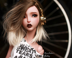 Beat it (pure_embers) Tags: pure embers bjd sd 13 doll dolls uk cerisedolls lillycat ellana plum girl hailey pureembers embershailey photography photo ball joint pink tan resin culur faceup portrait bjdarthouse alpaca wig headphones beats music
