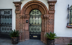 2018 - Mexico City - Doors/Windows - 1 of 13 (Ted's photos - Returns Early June) Tags: 2018 cdmx cityofmexico cropped mexicocity nikon nikond750 nikonfx tedmcgrath tedsphotos tedsphotosmexico vignetting door doorway architecture bars planters entryway arch archway coloniacondesa