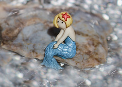 The Little Mermaid (Helen Orozco) Tags: macromondays onceuponatime thelittlemermaid button fairytale bokeh sirenetta hanschristiananderson macro