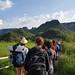 El caminar i les sortides en grup són una activitat central dins la plataforma Deriva Mussol. Crèdit: Deriva Mussol.