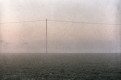 o.T. (christine thormählen) Tags: nebel stromleitung