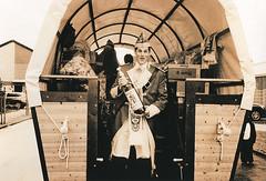 Captain_Morgan (Uwe Kielas) Tags: analog film 800asa ilfordhp5 lith lithprint moerschse5 fomatonemgclassic omegalith selentonung goldtonung nikonosv 2535mm karneval silbergelantine barytprint schwarzweiss