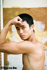 quy (here incognito) Tags: people male model shirtless bicep flex asian