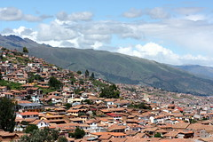 Cusco (mbphillips) Tags: mbphillips canon450d 秘魯 南美洲 페루 남아메리카 ペルー 南アメリカ sudamérica américadelsur perú 秘鲁 southamerica paisajeurbano 城市景观 城市景觀 도시풍경 cityscape skyline city ciudad 도시 都市 城市 지평선 天際線 天际线 horizon geotagged photojournalism photojournalist cusco 쿠스코 库斯科 庫斯科 canonef85mmf18usm travel pérou peru