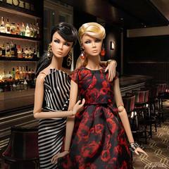 Night Bar (RockWan FR) Tags: bar night lilithedenblair fashionroyalty nuface integritytoys neverordinary twins