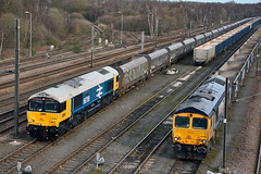 66789 4R71 Doncaster Down Decoy (British Rail 1980s and 1990s) Tags: gbrf europorte msc largelogo class66 66 freight railfreight sorrento britishrail19481997 6m59 4r71 coal hoppers gbrailfreight 66709 66789 train rail railway loco locomotive er easternregion mainline ecml eastcoastmainline livery liveried diesel yorkshire doncaster blue traction downdecoyyard