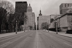 Closed (ancientlives) Tags: chicago illinois il usa travel trips roads streetphotography closed towers buildings architecture skyscrapers skyline city cityscape downtown loop walking saturday march 2018 spring sepia mono monochrome blackandwhite bw