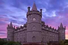 Inveraray Castle - Scotland (PLADIR) Tags: downtonabbey inveraraycastle schottland scotland sky clouds wolken purple violett burg schlos castle sony a77 slta77ii reisefotografie reise travelphotography traveling
