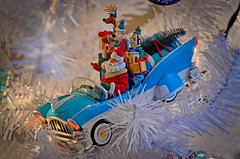 LITTLE ST NICK (Explored) (Wolf Creek Carl) Tags: ornaments christmas seasonal car santa toy