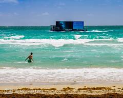 Beach-TV (Markus Lenz) Tags: amerika boot diewelt florida meer miami miamibeach naturlandschaft orte southbeach strand technik usa vereinigtestaaten verkehr wasser wasserverkehr werbeboot