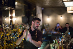 Shake, Shake, Shake (michael.mu) Tags: jerusalem theleicameet leica m240 50mm noctilux leicanoctiluxm50mmf095asph gatsby gatsbybar bartender streetphotography bar