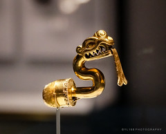 Serpent Labret with Articulated Tongue (YL168) Tags: goldenkingdoms gettycenter serpentlabret metropolitanmuseumofart themet gold