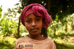 Saware Girl (Rod Waddington) Tags: africa african afrique afrika äthiopien ethiopia ethiopian ethnic etiopia ethnicity ethiopie etiopian saware village wollaita wolayta wollayta tribe traditional tribal culture cultural child girl outdoor portrait people