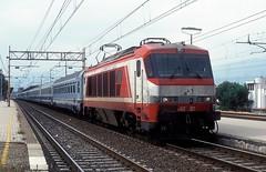 402 021  Prato  19.05.99 (w. + h. brutzer) Tags: prato 402 eisenbahn eisenbahnen train trains italien italia elok eloks railway lokomotive locomotive zug fs webru analog nikon