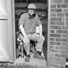 Ill-gotten (Fray Bentos) Tags: shed oldcodger cigar mancave malesanctum shanghaigp3 rodinal fomadonr09 yashica635
