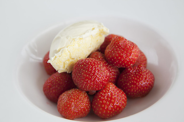 English strawberries, clotted cream © ROH Restaurants 2018