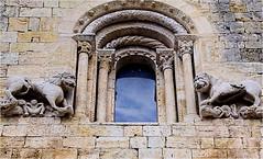 Sant Pere.....details (atsjebosma) Tags: details lions raam church santpere kerk stenen gebouw leeuwen besalu spain atsjebosma februari 2018 catalonia old oud hystory historie ancient