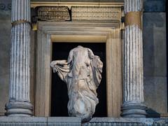 P3100098.jpg (marius.vochin) Tags: ancient statue greece london britishmuseum museum indoor england unitedkingdom gb