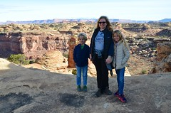 Sue & The Kids On The Slickrock Trail (Joe Shlabotnik) Tags: canyonlandsnationalpark nationalpark utah violet sue 2017 canyonlands everett november2017 proudparents afsdxvrzoomnikkor18105mmf3556ged