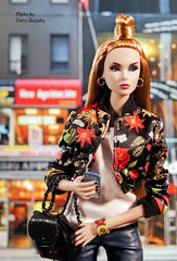 Trouble In Times Square (Ferry R.) Tags: troubleeden trouble eden doll dolls dollcollector dollcollection dollphoto dollphotography royalty fashion fashionroyalty integritytoys integrity toys nuface nu face reckless times square barbie barbiedoll