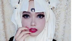 Una fanática musulmana de Mangas usa su hijab como Cosplay (Arikami_Fr) Tags: comics cosplay culturageek dragonball friki japon mangas musulmán naruto videojuegos