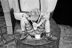 Japan 2018 (SimonSawSunlight) Tags: blackandwhite analogue film m rangefinder street streetphotography photography leica leicam2 35mm posture unconsciousyoga japan nippon shibuya tokyo hangingout 35mmultras colorskopar trix kodak voigtländer